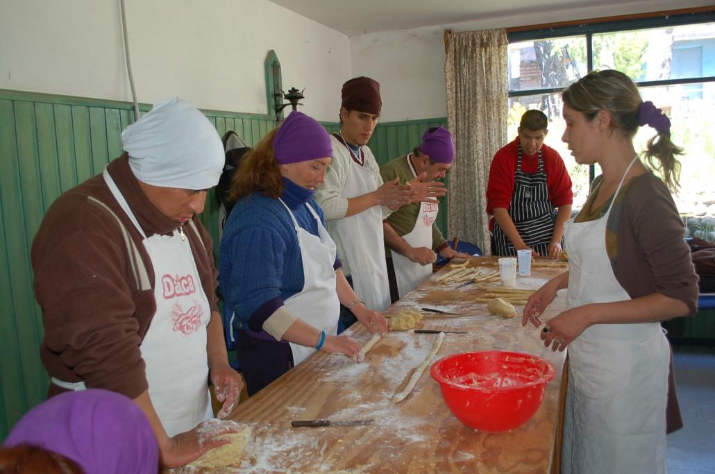 Crearte realizo taller de cocina apadrinado por la aehgb for Taller de cocina teruel